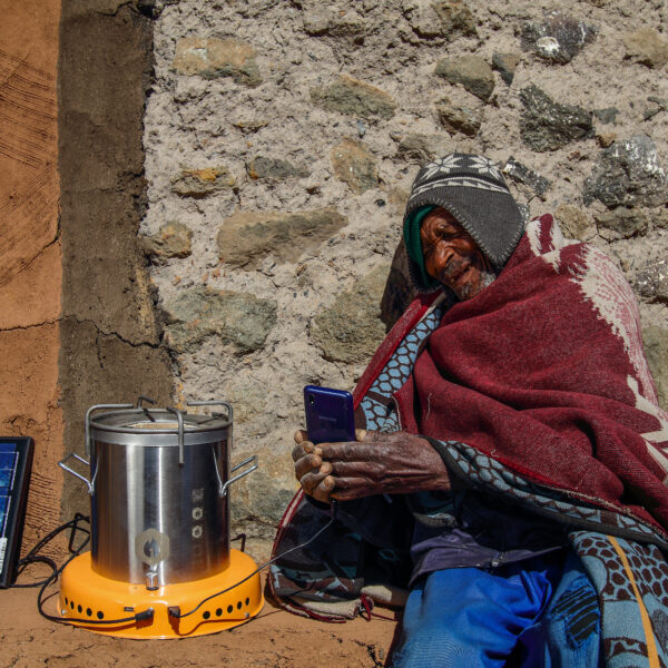 Enabling clean energy access with smart cooking and solar electricity